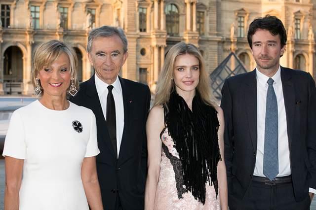 Кстати, это именно от сына Бернара Арно - Антуана - модель Наталья Водянова родила пятого ребенка.