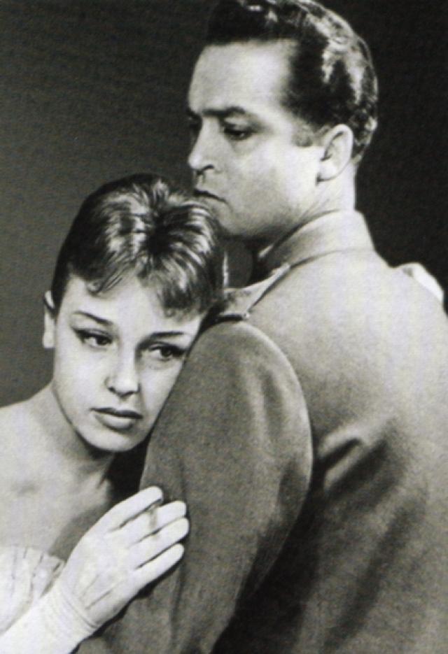 Последовал развод и оформление брака с актрисой Нелли Подгорной, третьей женой любвеобильного красавца.
