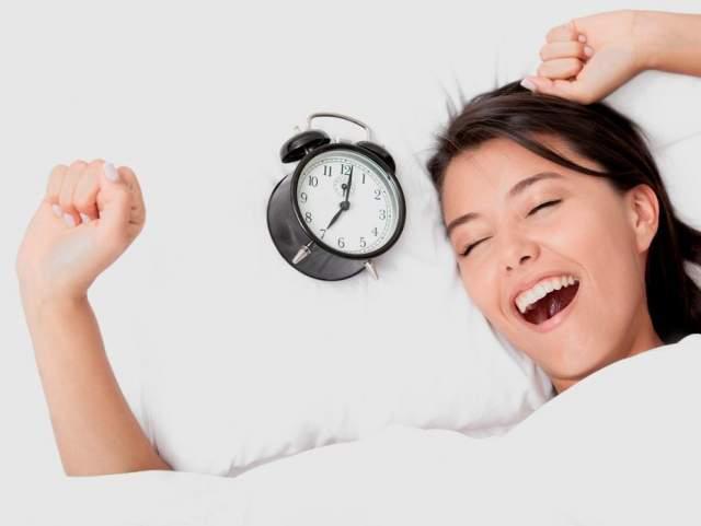 Человек может перезагрузить свои внутренние часы сна и пробуждения в вашем мозгу (суточный ритм), направив луч света на заднюю часть колена.