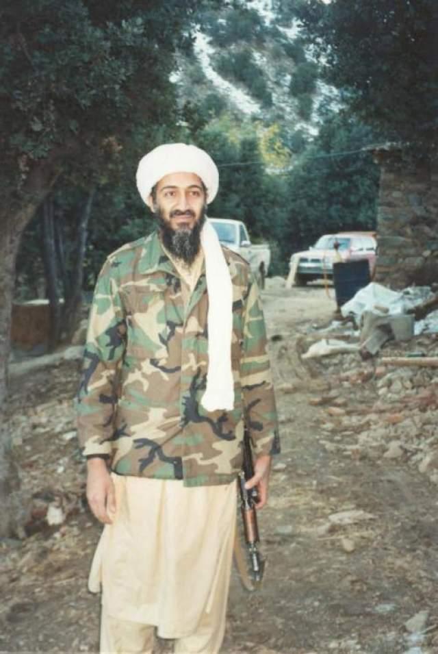 К спорту террорист питал особую любовь. Известно, что его увлечением был волейбол. Во многом, его спортивные предпочтения предопределили физические данные бен Ладена: его рост, как известно, составлял 193 сантиметра.