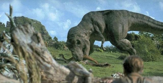 На крупнейшем острове архипелага Оаху была снята сцена с тиранозавром, появляющимся из-за кустов и поедающим мелкого динозавра галлимимуса. Это единственная сцена на открытом воздухе, снятая не на острове Кауаи.
