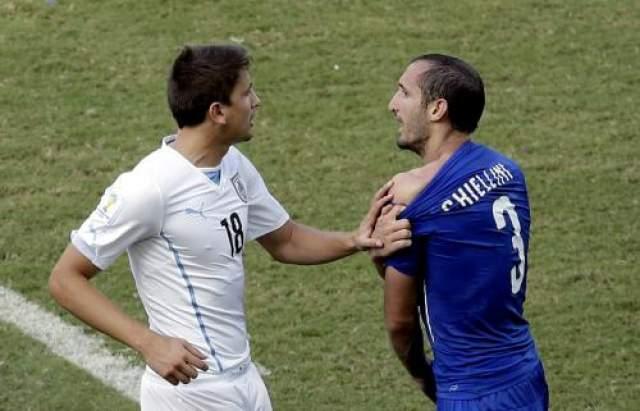 Вскоре после этого эпизода уругваец Диего Годин забил единственный гол в матче, который вывел его команду в 1/8 финала. По мнению итальянской стороны, судья должен был удалять лидера южноамериканской команды. В свою очередь представители уругвайской сборной утверждают, что укуса со стороны Суареса не было.