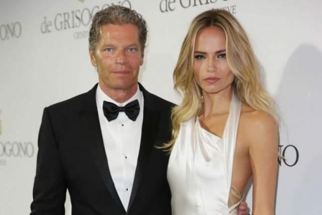 Красавица счастлива в браке - ее избранником стал голландский бизнесмен Питер Баркер.