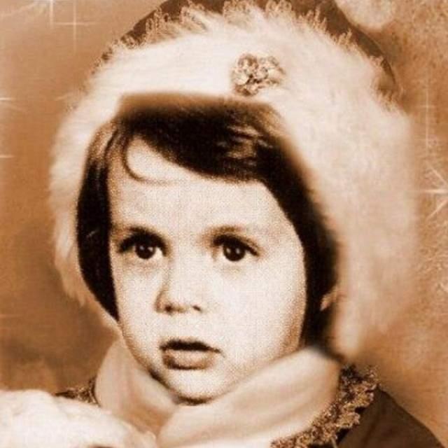 Марк Тишман в костюме… Снегурочки?