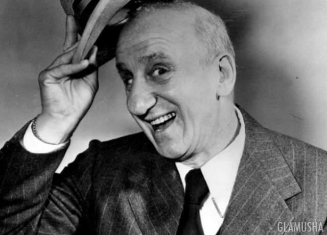 Джимми Дюранте, умер в возрасте 86 лет Джимми Дюранте сделал свой выбор в пользу страхования своего эталонного носа за $ 50 000.