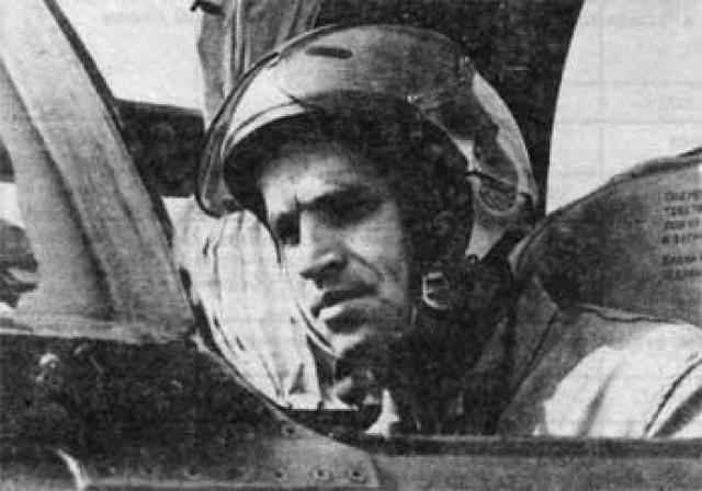 Первый таран реактивным самолетом Уроженец Сталинграда капитан Геннадий Елисеев совершил свой таран на истребителе МиГ-21 28 ноября 1973 года. В этот день в воздушное пространство Советского Союза над Муганской долиной Азербайджана вторгся иранский «Фантом-II», который производил разведку по заданию США
