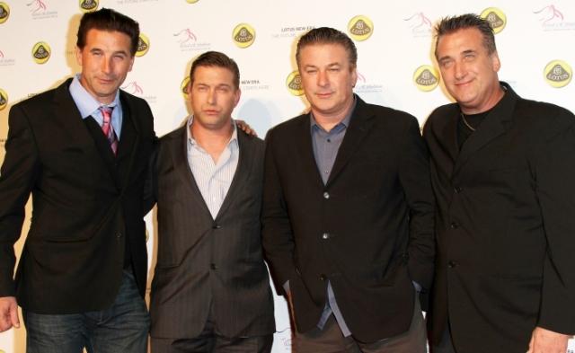 Ну а о родстве этих знаменитостей известно гораздо больше. Алек, Стивен, Уильям и Дэниэл Болдуины .