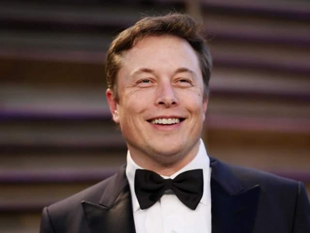 Илон Маск, предприниматель, изобретатель, 46 лет. Был женат трижды, из них два раза на одной и той же женщине - Талуле Райли. Имеет шестеро детей.