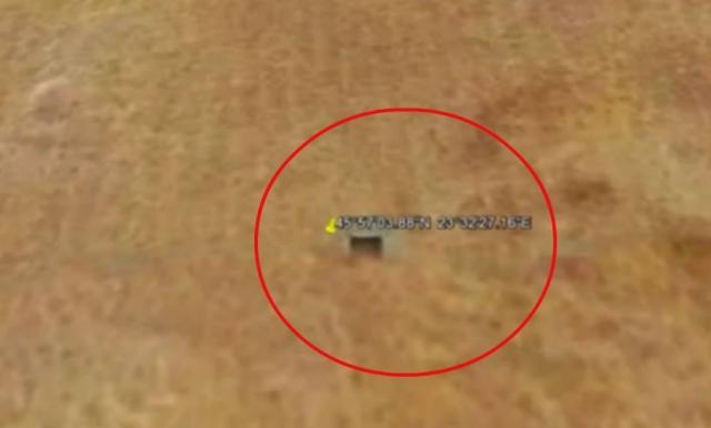 Уфологи после детального изучения снимков Марса, сделанных с помощью популярной программы Google Earth, разглядели на кадрах, полученных благодаря аппарату NASA, загадочные бункеры.