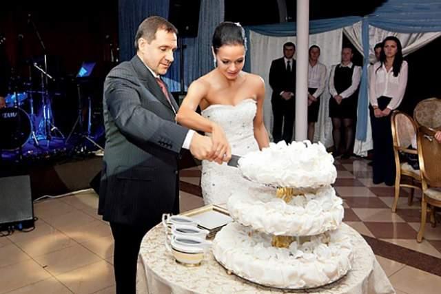 В 26 лет Ирина стала заместителем префекта Северного округа Москвы по спорту и туризму. В 2011 году она ушла из политики, тогда же вышла замуж за друга Дмитрия Медведева, бизнесмена и бывшего спортсмена Евгения Архипова.