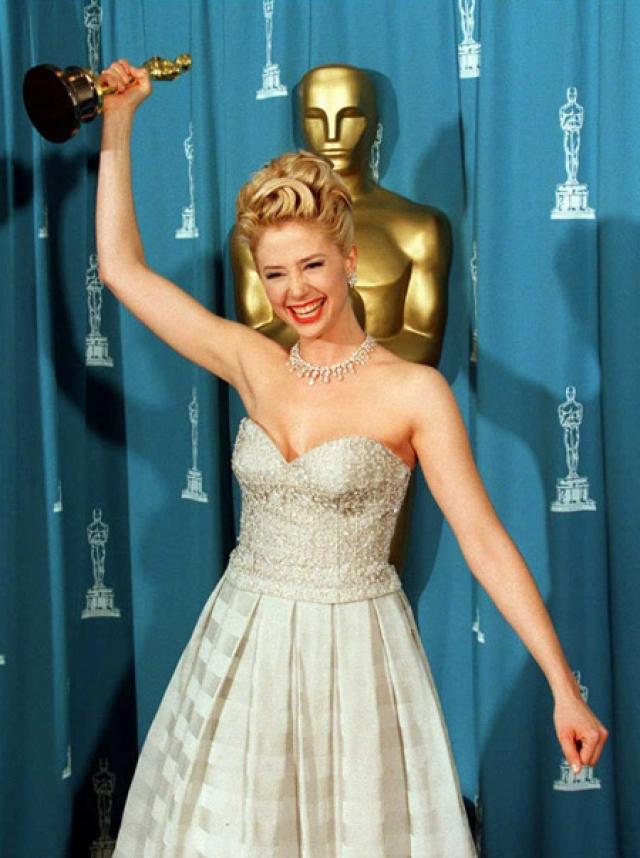 Именно в 1995 году актриса получила первое признание критиков за роль Линды Эш.