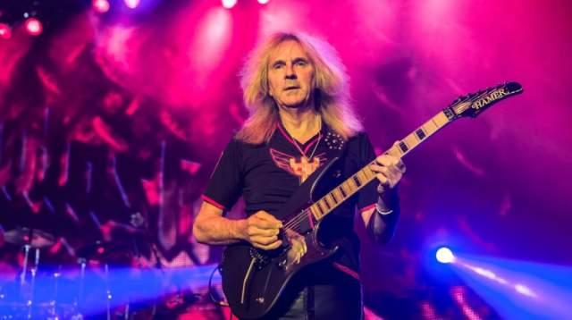 Гленн Типтон. Британский рок-музыкант тоже в числе жертв заболевания. Правда, ему сейчас 71, и он все еще жив - так что, может, все не так плохо.