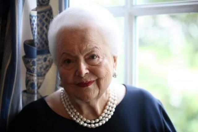 """Оливия Де Хэвилленд, 103 года Англо-американская актриса родилась 1 июля 1916 года. Она сыграла Мелани Гамильтон в фильме """"Унесенные ветром""""."""