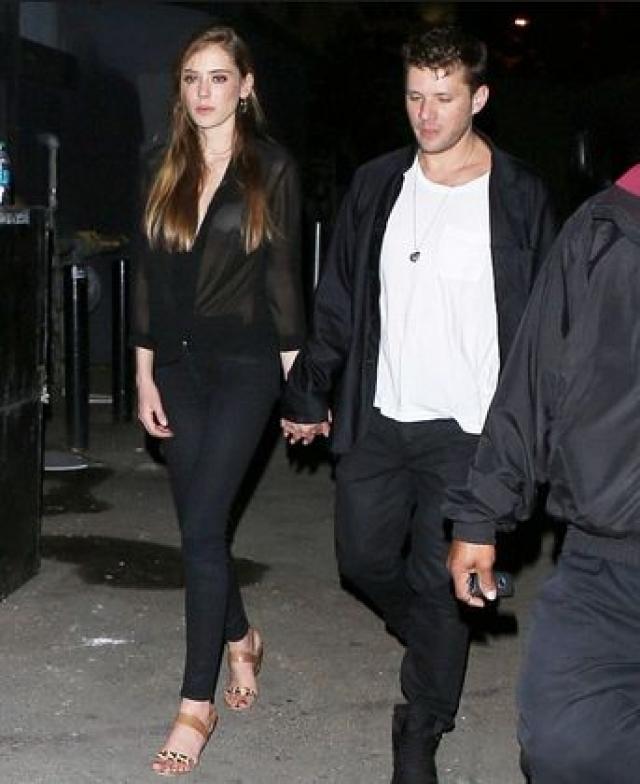 После развода с Риз, Филипп бросил новую беременную подругу Алексис Кнапп в конце 2010 года, которая в июле 2011-го родила ему дочь. Девочка стала третьим ребенком актера.