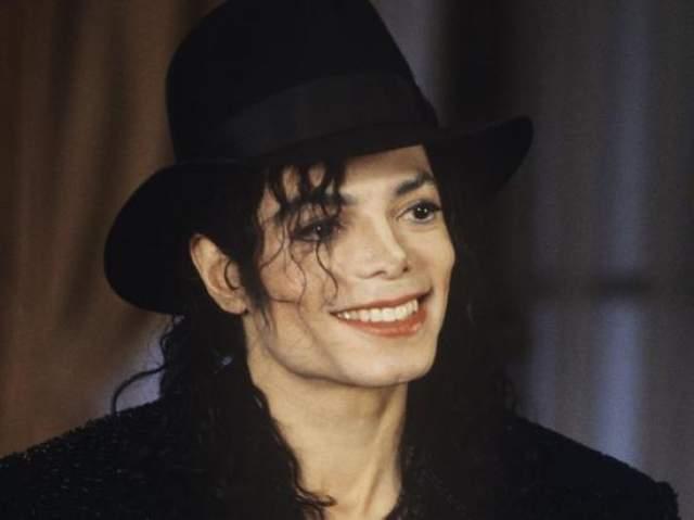 Майкл Джексон, $1 млрд, трое детей. Свои деньги король поп-музыки завещал передать в трастовый фонд семьи Джексонов Michael Jackson Family Trust, главным распорядителем которого стала Кэтрин Джексон, мама Майкла.