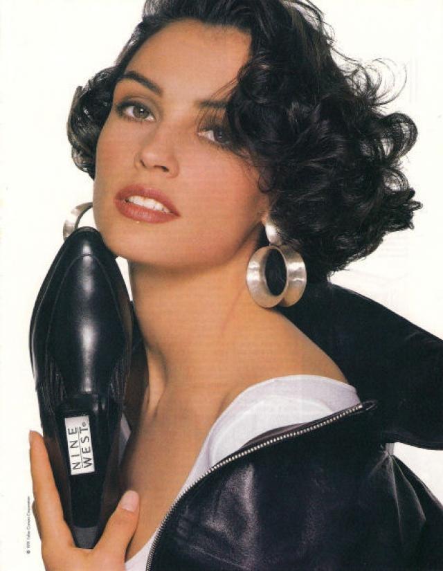 """Впоследствии, Фамке работала моделью """"Victoria's Secret"""" и снялась во многих рекламах, включая рекламу для духов под названием """"восклицательный знак"""" от компании Коти (Coty, Inc.) в 1988 году."""