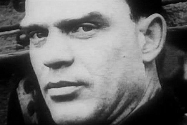 """Сигизмунд Леваневский. Советский летчик, совершивший несколько сверхдлинных авиаперелетов в 1930-х годах, участник экспедиции по спасению парохода """"Челюскин"""", второй Герой Советского Союза исчез во время очередного перелета."""