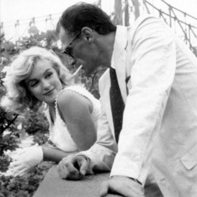 С Миллером актриса познакомилась еще в 1950 году, но лишь спустя год после развода Мэрилин они встретились вновь.