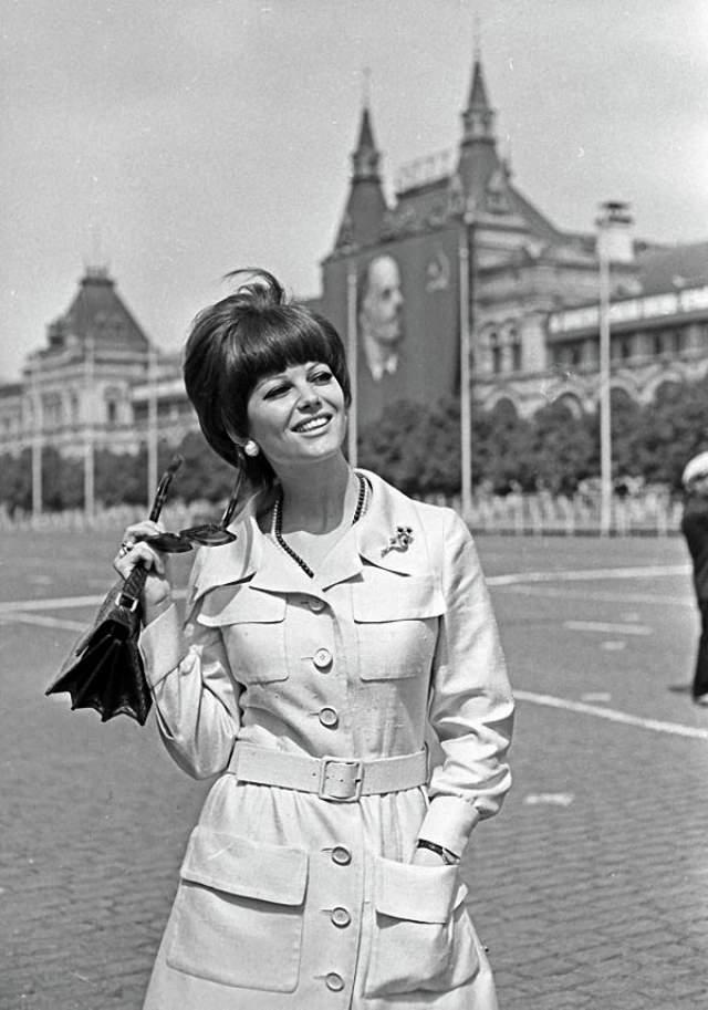 1967 год, Клаудия Кардинале, итальянская актриса, на Красной площади в Москве.