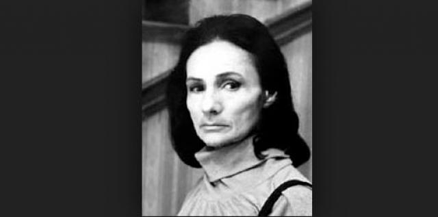 """Стрессы, депрессии, ночные звонки """"доброжелателей"""", отвернувшиеся друзья - все это подорвало моральное состояние актрисы. Она покончила с собой в Москве 14 февраля 1987 года."""