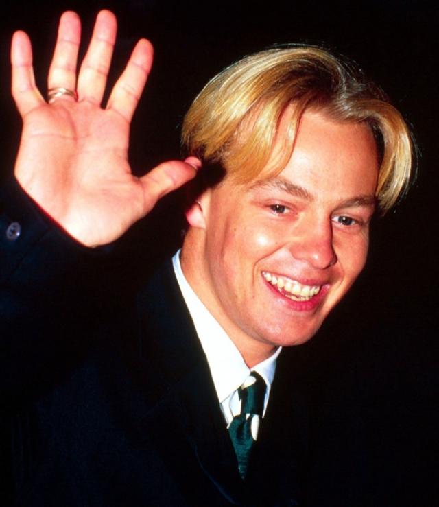 """Джейсон Донован. Четыре его сингла, одним из которых была песня 1988 года в дуэте с Кайли Миноуг """"Especially For You"""", занимали первые места в чартах."""