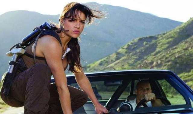 """Мишель Родригес, 40 лет. Американская актриса, известная по фильмам """"Форсаж"""", """"Аватар"""", """"Обитель зла"""", сериалу Lost и др. неоднократно была оштрафована за езду в нетрезвом виде."""