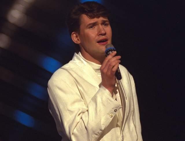 """Джонни Логан , Ирландия (""""Hold Me Now""""), 1987 год"""