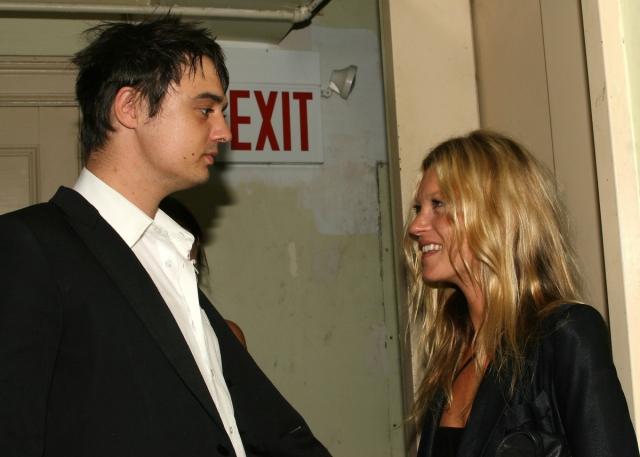 Кейт Мосс и Пит Доэрти. В 2005 году на вечеринке по случаю своего тридцать первого дня рождения модель познакомилась с панк-рокером.