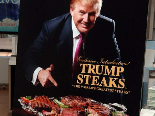 Дональд Трамп пытался рекламировать стейки собственной марки, причем продавался продукт через телефонный звонок.