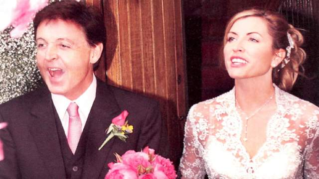 Пол Маккартни и Хизер Миллс ($3 млн). Свадьба в индийском стиле прошла в Ирландии в замке Лесли в деревне Гласлу в 2002 году.