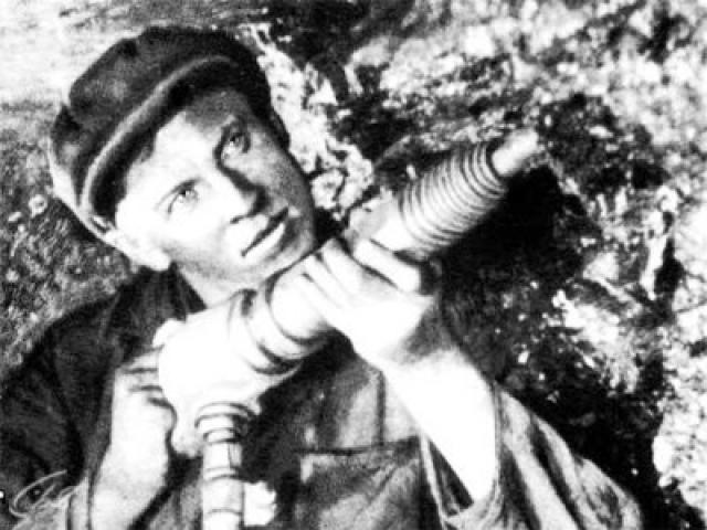 Стаханов родился в деревне Луговая Орловской губернии. С 1927 года работал на шахте «Центральная-Ирмино» в Луганской области тормозным, коногоном, отбойщиком. С 1933 года работал забойщиком на отбойном молотке.