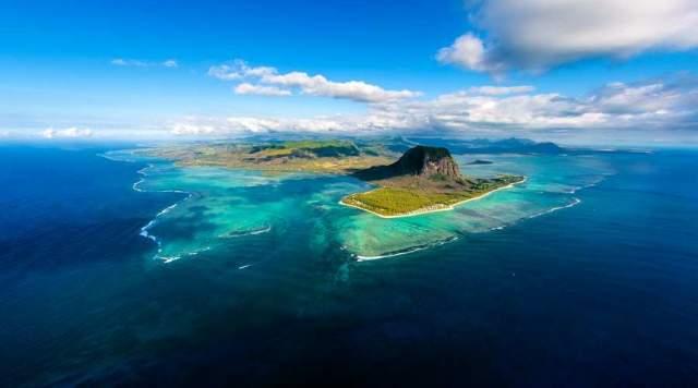 У побережья острова Маврикий имеются как раз такие отложения.