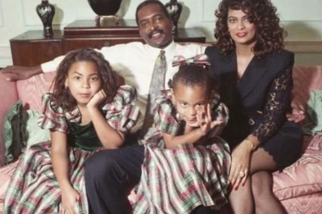 Бейонсе с родителями и сестрой.
