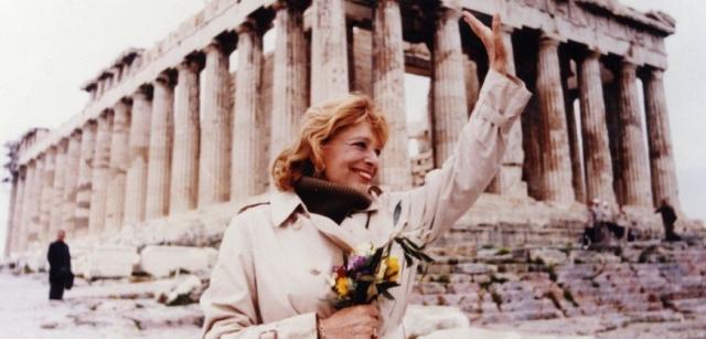 После свержения диктатуры Мелина стала депутатом парламента от греческой партии ПАСОК, а через четыре года, в 1981 году, заняла пост министра культуры Греции.