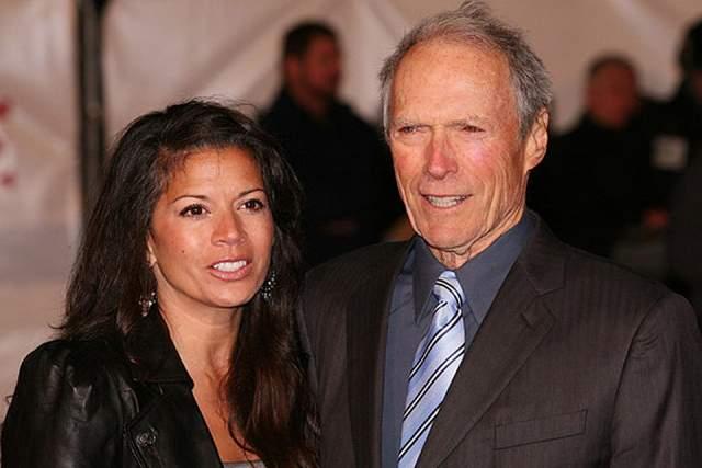 """В 1996 году Иствуд женился на Дине Иствуд. Девушка была моложе на 35 лет. Дочь Морган Иствуд родилась у пары 12 декабря 1996 года. В октябре 2013-го Дина подала на развод, сославшись на """"непреодолимые разногласия"""" со звездой. Но на самом деле..."""