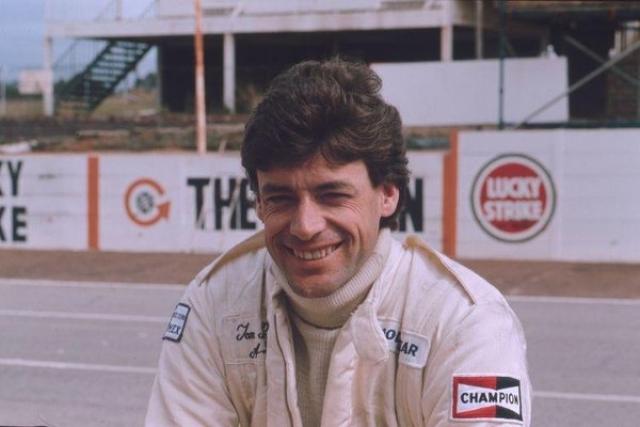Том Прайс - первый гонщик из Уэльса, победивший в Формуле-1. Он погиб на Гран-при Южной Африки 1977 года.