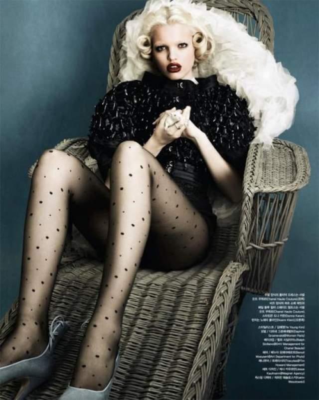 Резко вверх карьера Дафны взлетела в 2011 году, когда ей было 16. Она была признана лучшей моделью Нидерландов, а также получила fashion награду от Marie Claire.