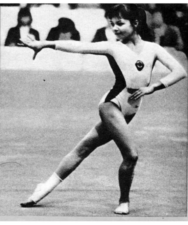 Точный возраст Ольги Бичеровой во время некоторых соревнований, от которого зависело ее право принимать в них участие, был предметом споров.