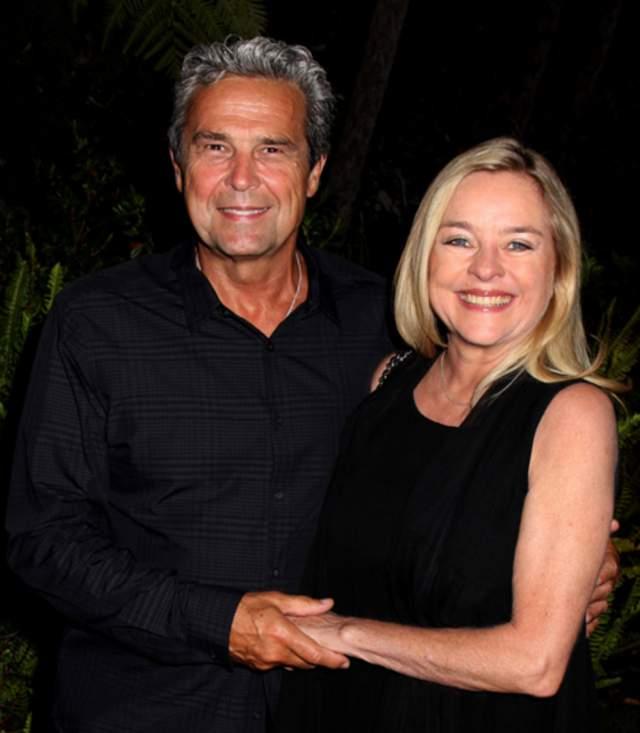 В личной жизни девушке везло не так, как с ролями. В 1979 году актриса вышла замуж за биржевого маклера, а через пять лет развелась. Второй раз она пошла под венец в 1992 году с Генри Ньюменом, а через восемь лет они расстались. В 2006 году Робин снова вышла замуж – за Вернера Рота. Живет то в Нью-Йорке, то в Лос-Анджелесе, и по-прежнему любит готовить.