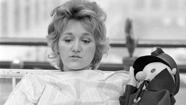 Весна Вулович провела 27 дней в коме и 16 месяцев на больничной койке, но все-таки выжила. В 1985 году она была внесена в Книгу рекордов Гиннесса за самый высотный прыжок без парашюта.