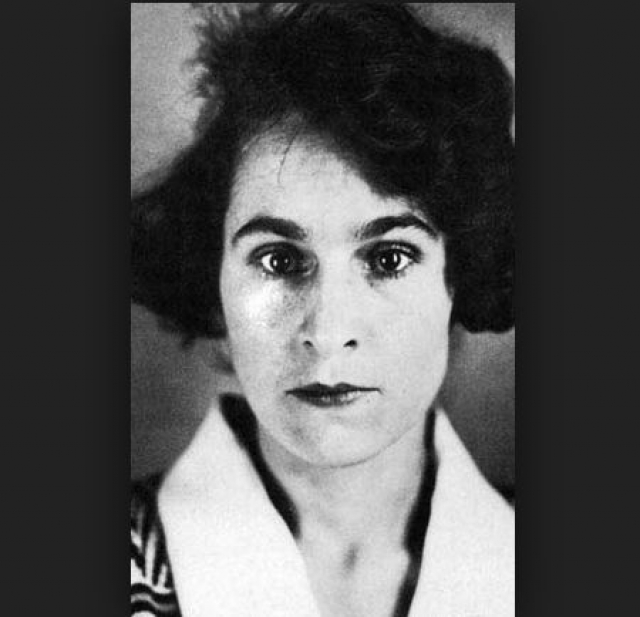 """Сальвадор Дали и Гала. """"Роковая женщина"""" XX века, великолепный менеджер, и исчадие ада, бросившее собственную дочь – все это говорят о женщине, ставшей всем для гения Дали."""