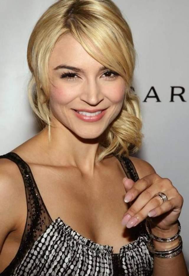 """В октябре 2007 года голливудская актриса Сэмэр Армстронг попала в клинику по не раскрываемым """"личным причинам"""""""