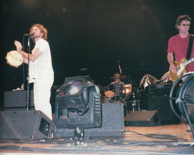 Выступление Pearl Jam на фестивале в Роскилле , 30 июня 2000 года. Фестиваль считался одним из самых безопасных до этого случая.