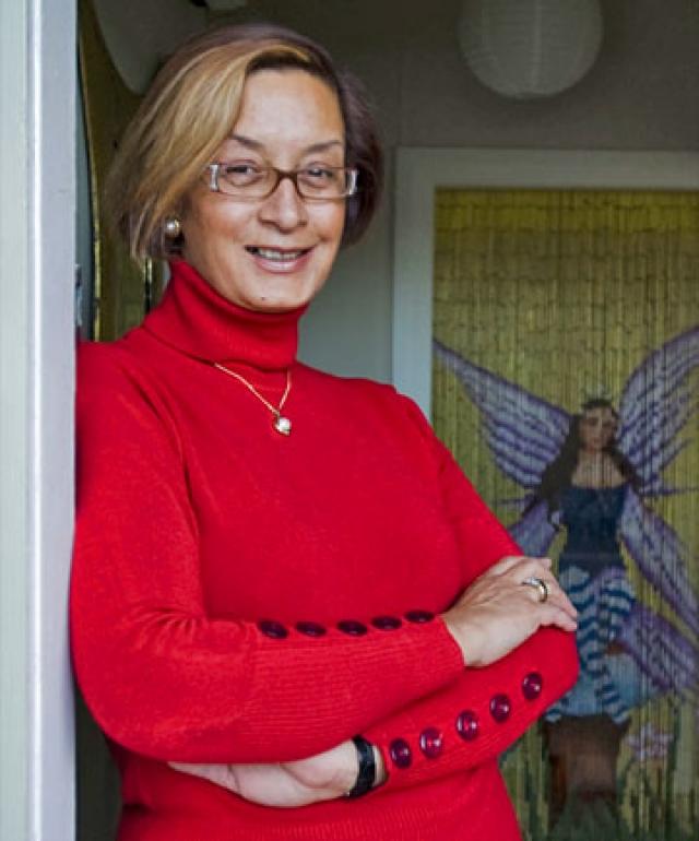 В 1995 году стала мэром города - 48 % голосов, в 1998-м переизбрана - 90 % голосов. Это сделало ее первым в мире мэром-транссексуалкой.