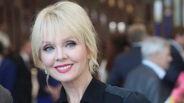 Валерия - Александр Шульгин Российская певица Валерия терпела издевательства бывшего мужа Александра Шульгина почти десять лет.