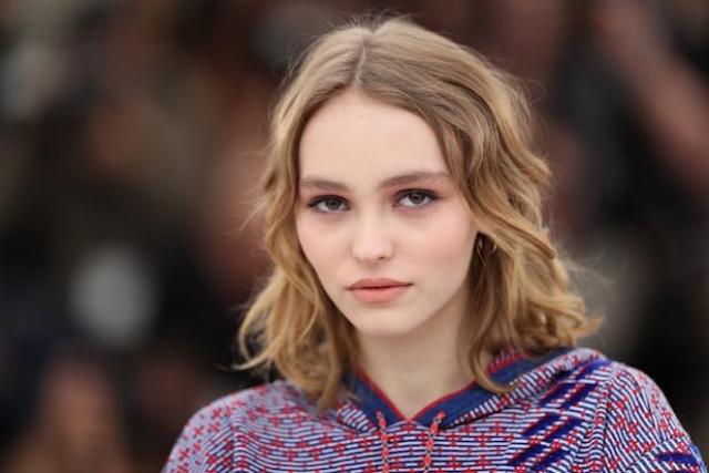 Лили-Роуз Депп с детства снимается в кино, В апреле 2015 дебютная фотосессия юной Депп украсила страницы австралийского журнала Oyster, а в июле 2015 стало известно, что она стала музой Карла Лагерфельда.