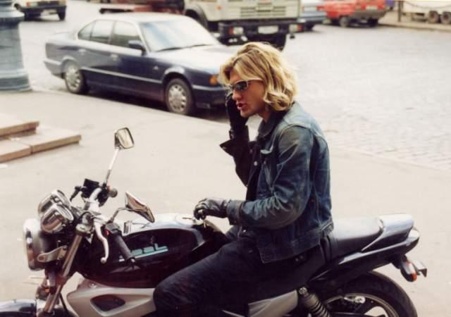 """В 2003 году Нерушенко начал двигаться в сторону сольной карьеры, посчитав, что исчерпал себя в """"Динамите"""". Но, помимо музыки, у него было еще два увлечения: выпивка и мотоцикл."""