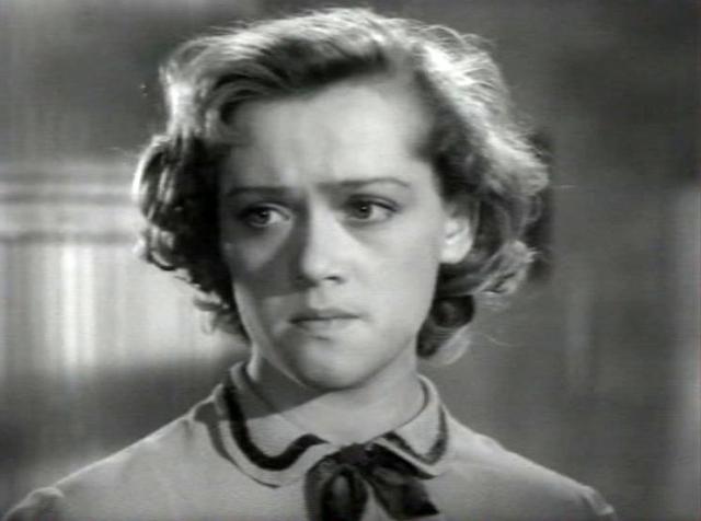 """Алиса Фрейндлих. Актриса дебютировала в фильме """"Город зажигает огни"""" в 1958 году."""