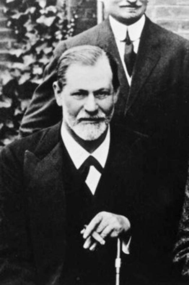 Именно отсутствие достатка привело Зигмунда Фрейда в мир психологии. Фрейд внес несколько весомым вкладов в развитие нейтронной теории под руководством Эрнста Брюкке, и собирался продолжать учение, посвятив себя физиологии и неврологии. Но ему пришлось переквалифицироваться во врача-психотерапевта.