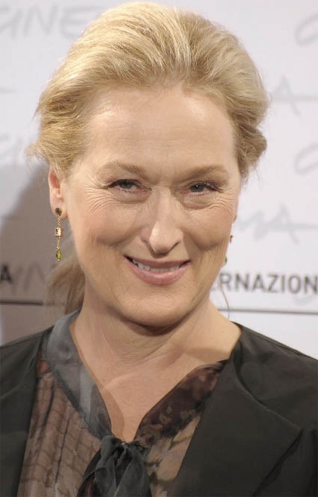 Мерил Стрип. Актриса - пример того, как можно стареть красиво и с достоинством, не злоупотребляя пластической хирургией.